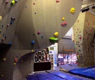 Bouldering cave - the prow