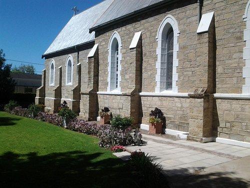 Neo-Gothic style windows