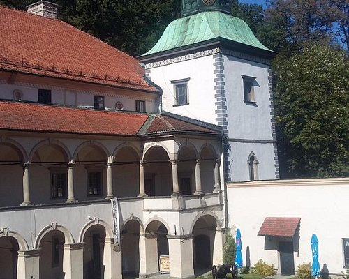Muzeum Miejskie Suchej Beskidzkiej - krużganki zamkowe.