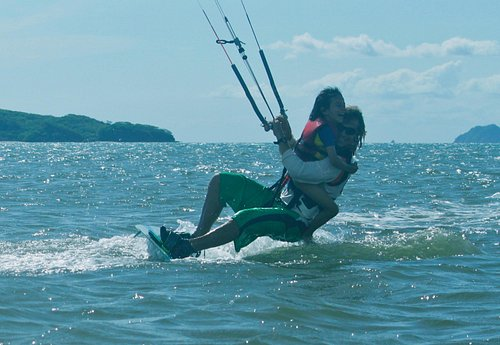 kitesurfing is super fan and even more with my daughter!