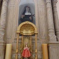 Lovely side altar