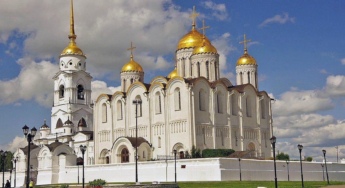 荘厳なウラジーミル・ウスペンスキー大聖堂