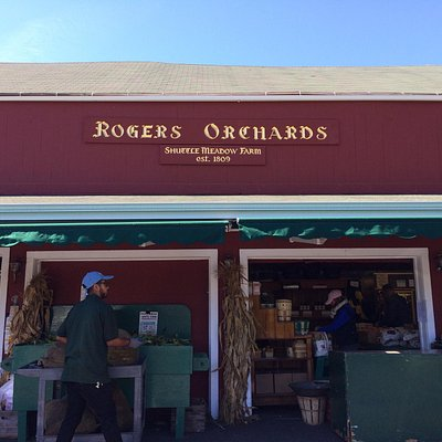 Roger's Orchards Main Store