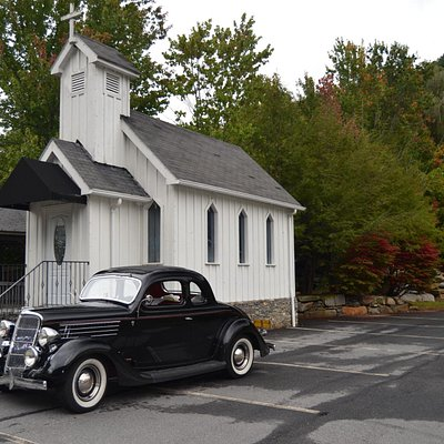 Neat Mini Church in Maggie Valley