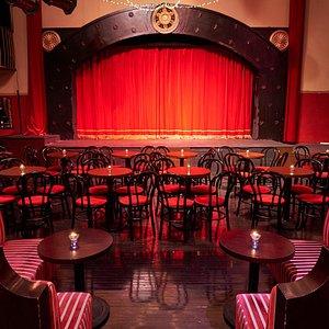 The Pearl bar cabaret in shanghai , the scene