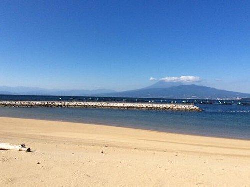 西伊豆では広い砂浜