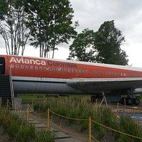 Avión, entrada gratuita