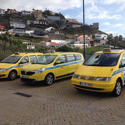 Os carros da empresa  / our company cabs