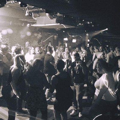 ViViD Nightclub Friday & Saturday 10-3!