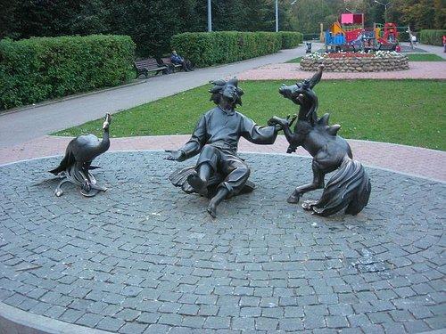 Вид на скульптуру