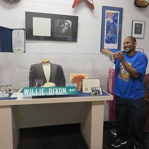 Keith Dixon at 2120 South Michigan Avenue