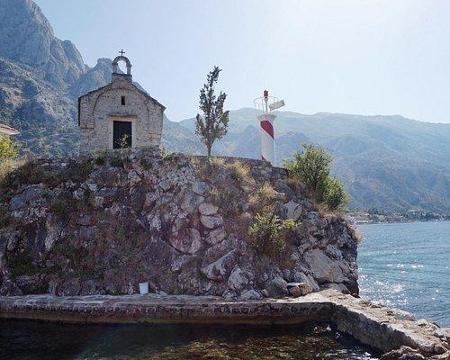 Церковь святого Илии и маяк
