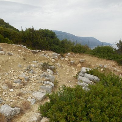 Walking path leading to the Acropolis of Alalkomenai