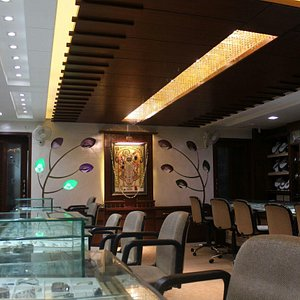 Show Room Picture 1