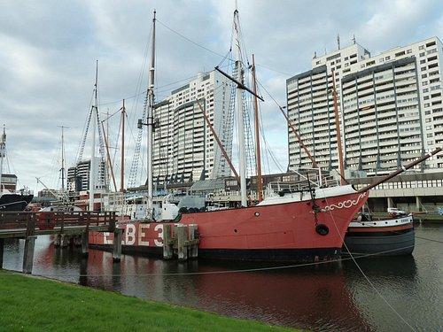 Das Columus-Center liegt direkt hinter dem Historischen Hafen