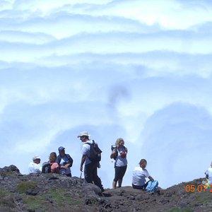 Na montanha mesmo com nuvens é lindo.