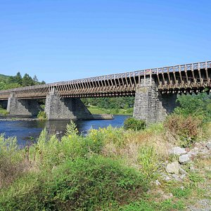 View of Bridge from river path on New York side