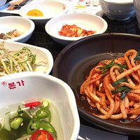 Banchan selection (side dishes)