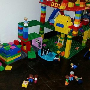 The only DUPLO LEGO creativity center in Costa Rica. Join the fun when you visit Tamarindo.