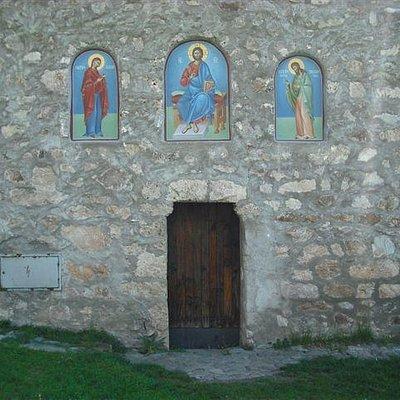 Manastir Svete Trojice, Brezojevice