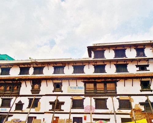 バサンタプルに面した建物