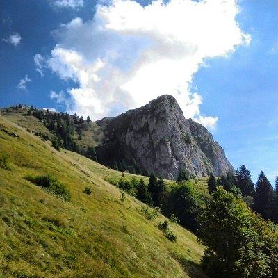 Salita sul monte Golem e arrivo in cima al Redentore