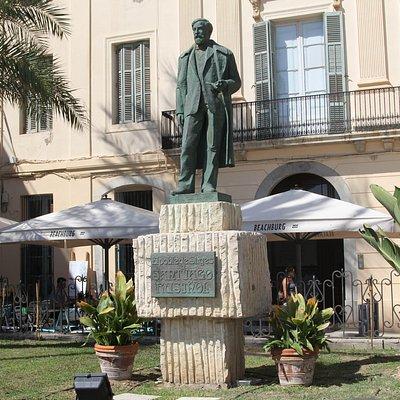 Памятник Сантьяго Руссиньолю в Ситжесе