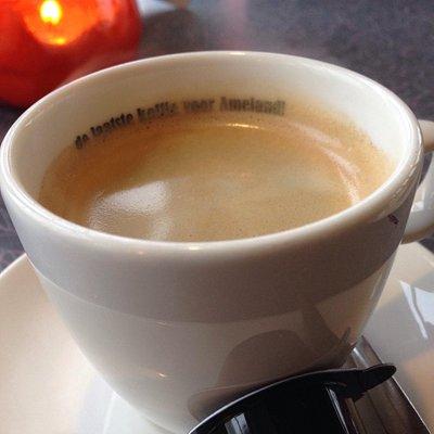 Heerlijke tent op Oost met het laatste kopje koffie voor Ameland!
