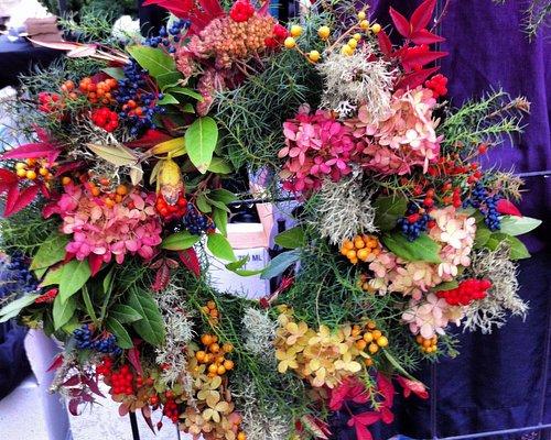 Welcome home wreath - Kenyon Growers