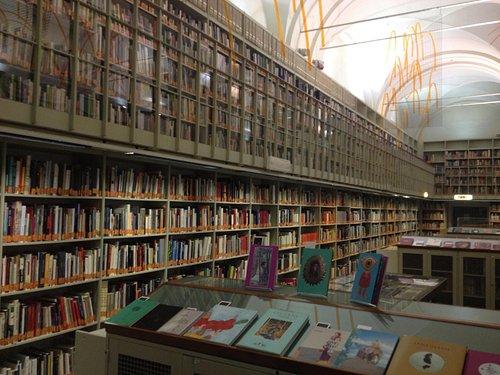 biblioteca d'arte poletti