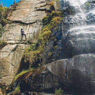 Rapel en la Catarata Huanano