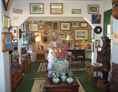 Look back toward the Vintage Room.