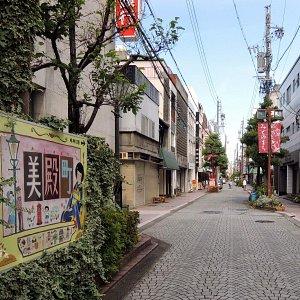 柳ヶ瀬本通りから続く美殿町商店街