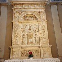 Interior de la Iglesia de San Gregorio Maggiore