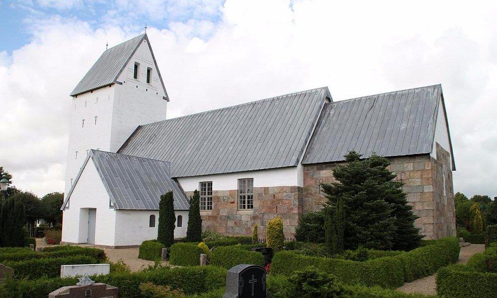 Kirken udefra