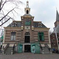 Het voormalige Gemeentehuis , nu Museum Hilversum  .nl .