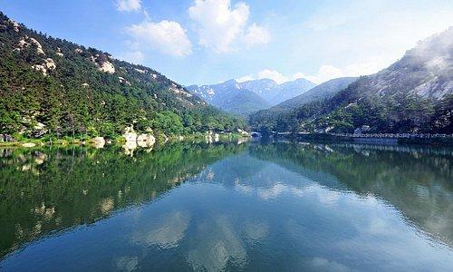 Nine Gragon Lake