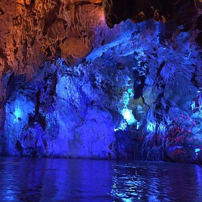 Longgong Caves (Dragon Palace)