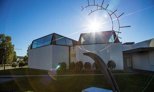 Rovaniemi City library and reindeer art