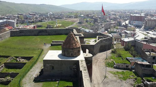 Erzurum kalesi ve tepsi minare