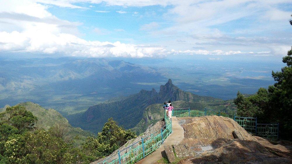 Spectacular views over the Nilgiri Biosphere Park & Rangaswamy Peak