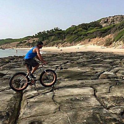 Fatbike en la rocas