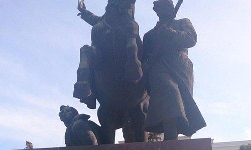 Памятник 1-й Конной армии