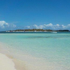 Vue sur l'îlot Gabriel depuis l'île Plate