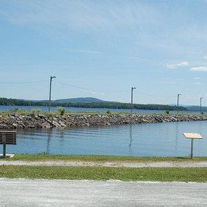 Sur le bord du Lac Aylmer