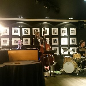 Jazz/Swing band and pianist at La Gitane