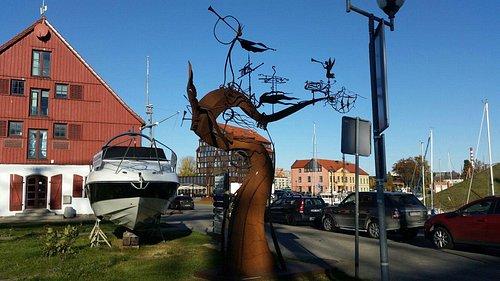 Скульптура Ветер