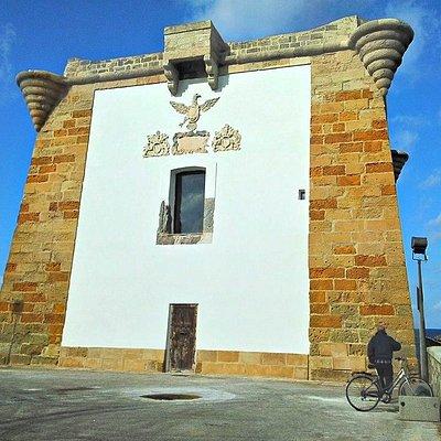 L'imponente torre di avvistamento