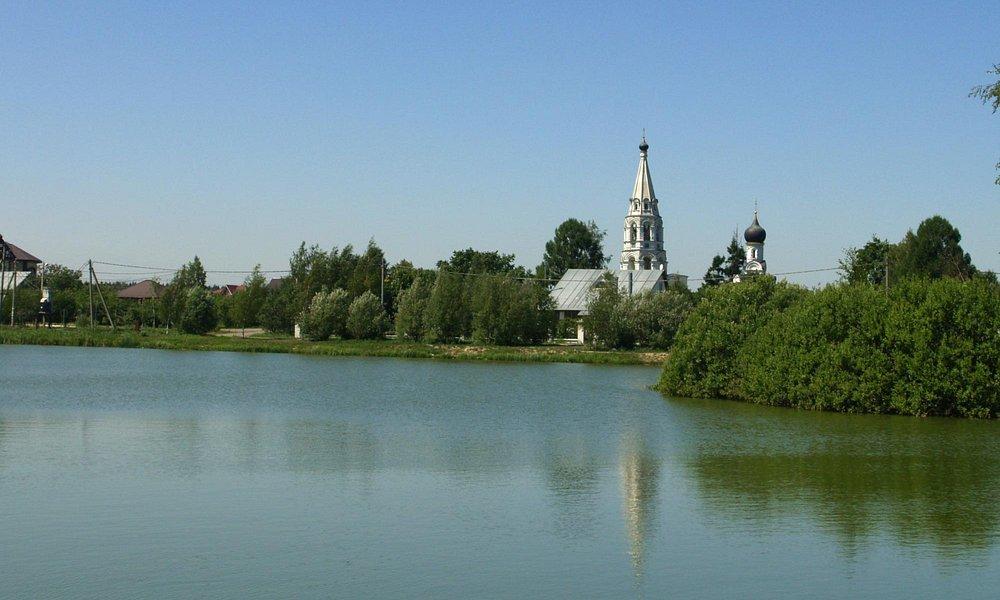 Вид на церковь в Поярково