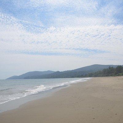Dhani Nala Beach - White sand